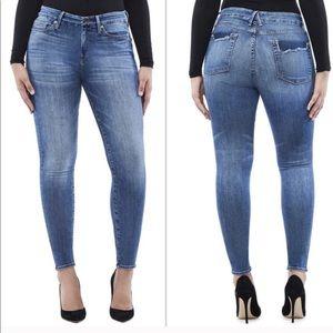 NWT Good American Good Legs Skinny Jeans